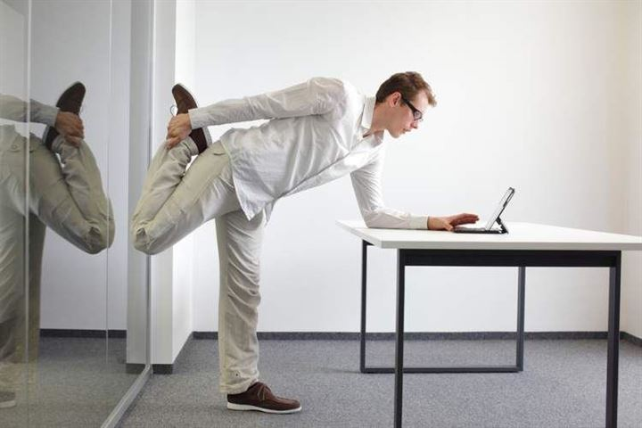 11 easy ways to move more at work