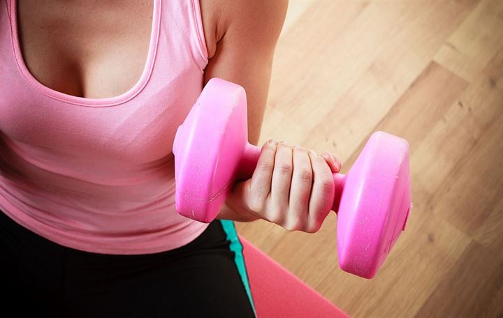 The best women's dumbbells & how to choose the right size for any exercise