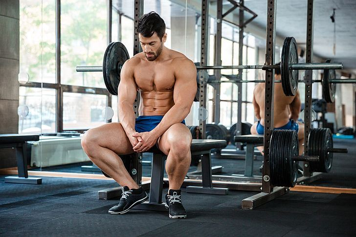 How long should I rest between strength training sets? | Expertrain